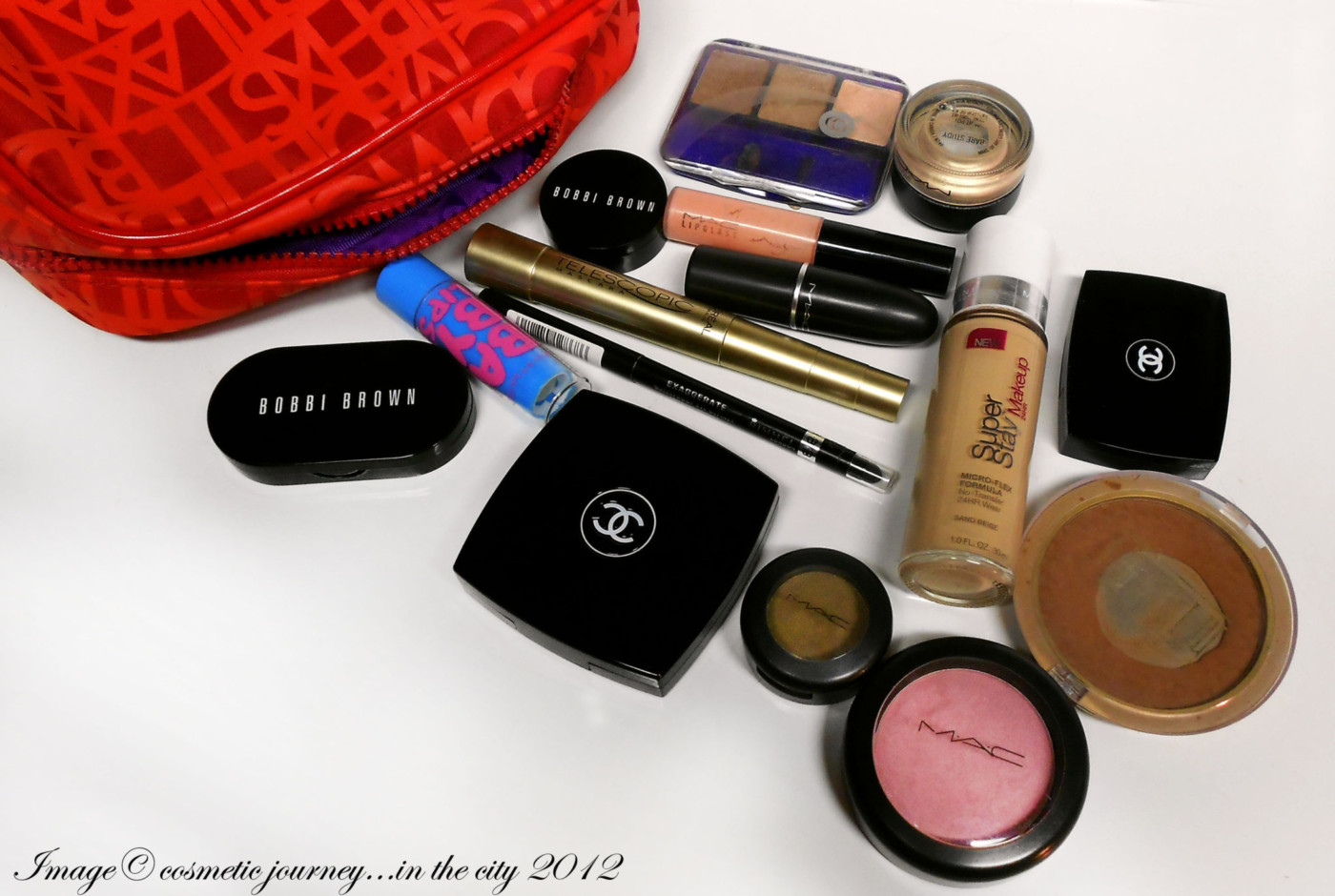 WHAT'S IN YOUR MAKEUP BAG: Chelle