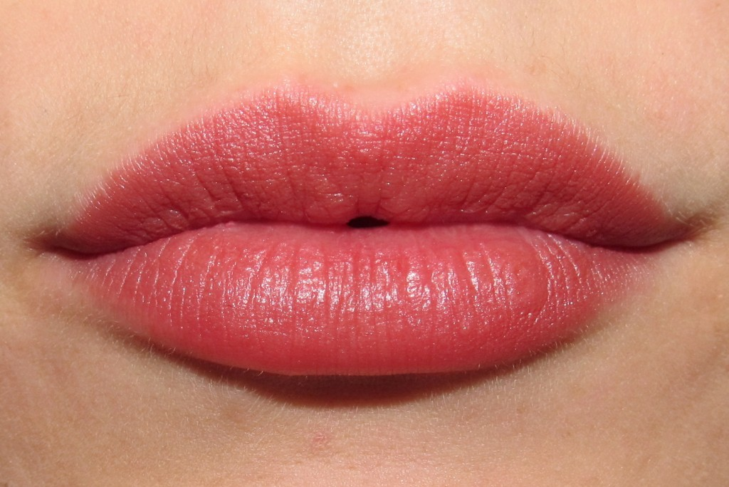 Rimmel Lasting Finish Matte by Kate Moss in 105