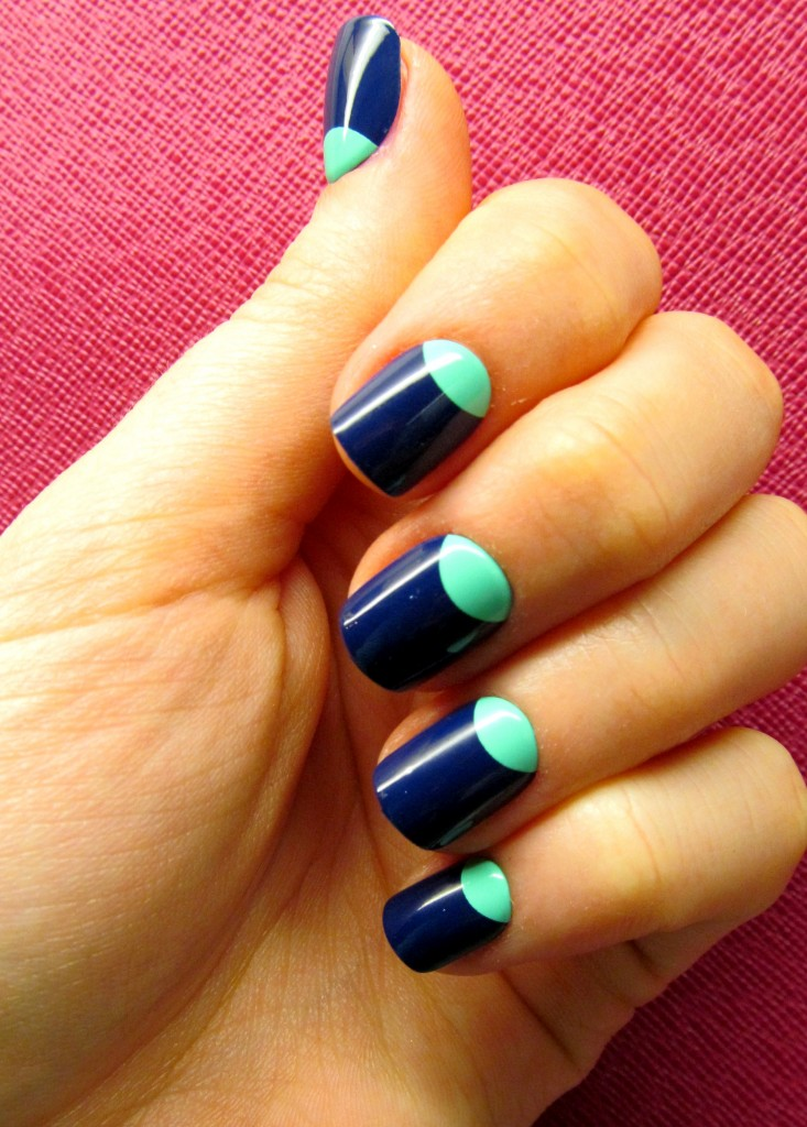 L'Oreal Paris Colour Riche Press-On Nails in Moon About You
