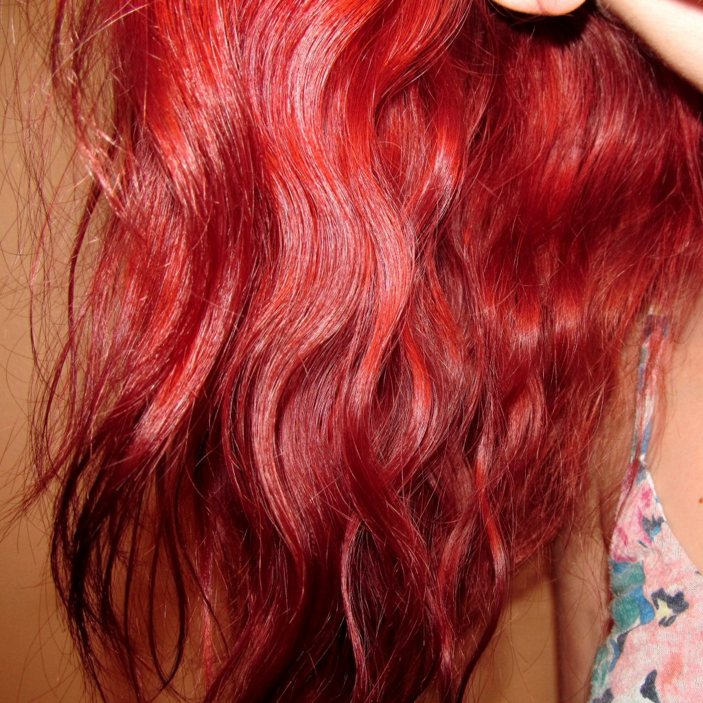 Beach Hair Tutorial, how to make red hair last, red hair dye, red hair dye last longer, how to keep your hair red, how to stop red hair from fading