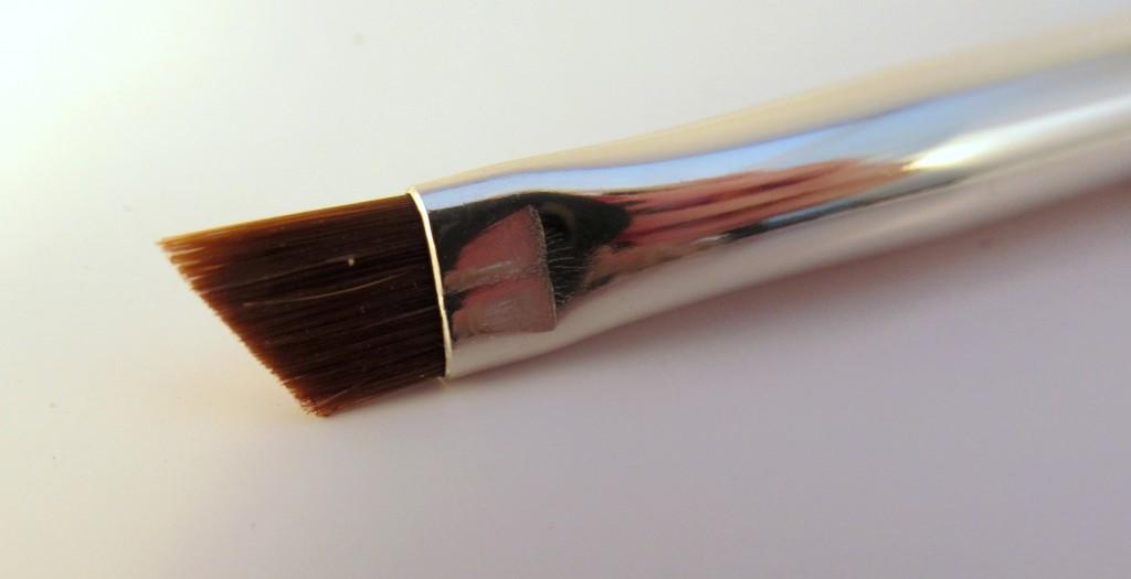 NARS #38 Angled Eyeliner Brush