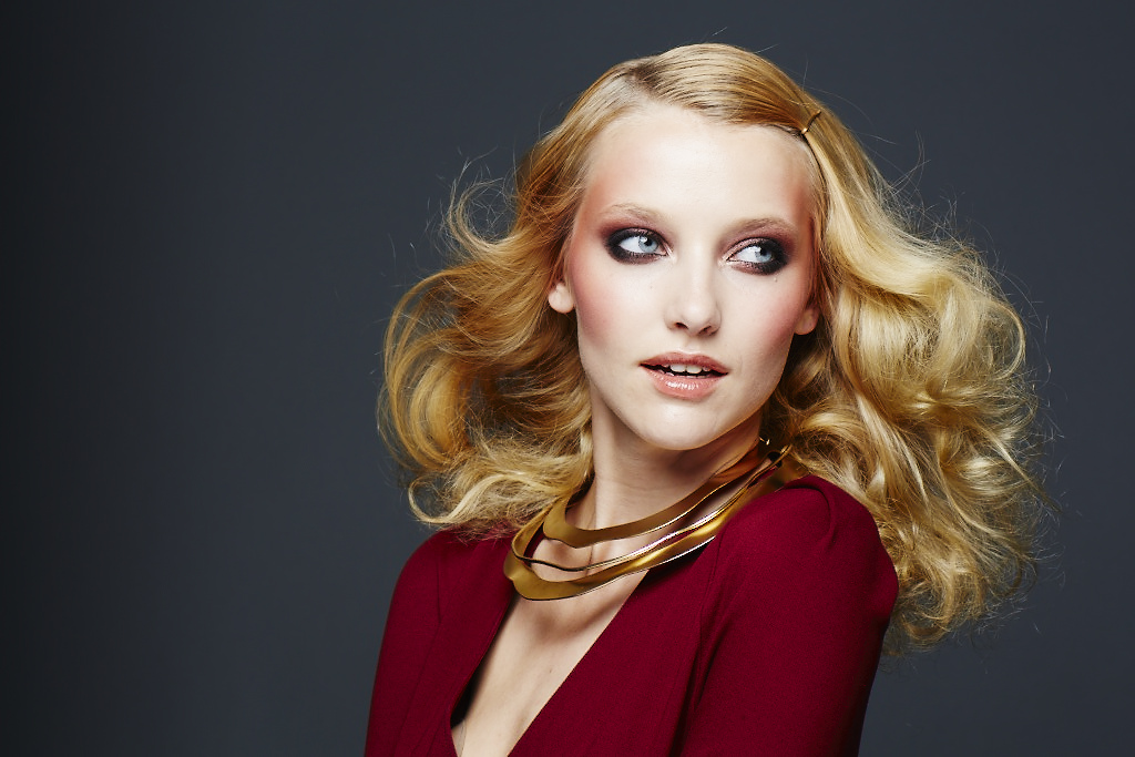 P&G Beauty Glam Revival CoverGirl Looking Glass Pantene
