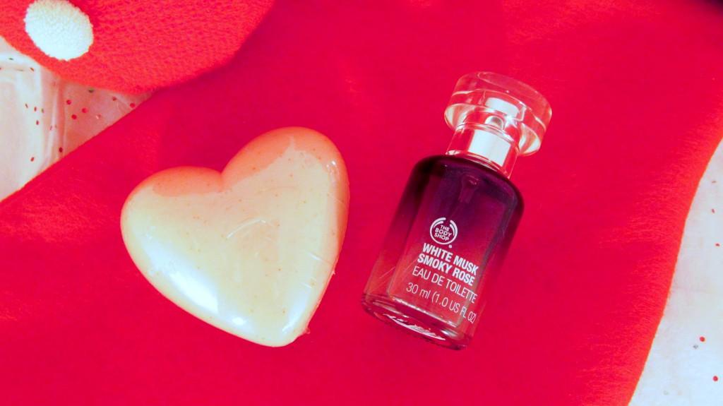The Body Shop Cranberry Joy Heart Soap, The Body Shop White Musk Smoky Rose Eau de Toilette, The Body Shop, The Body Shop Christmas, The Body Shop Holiday