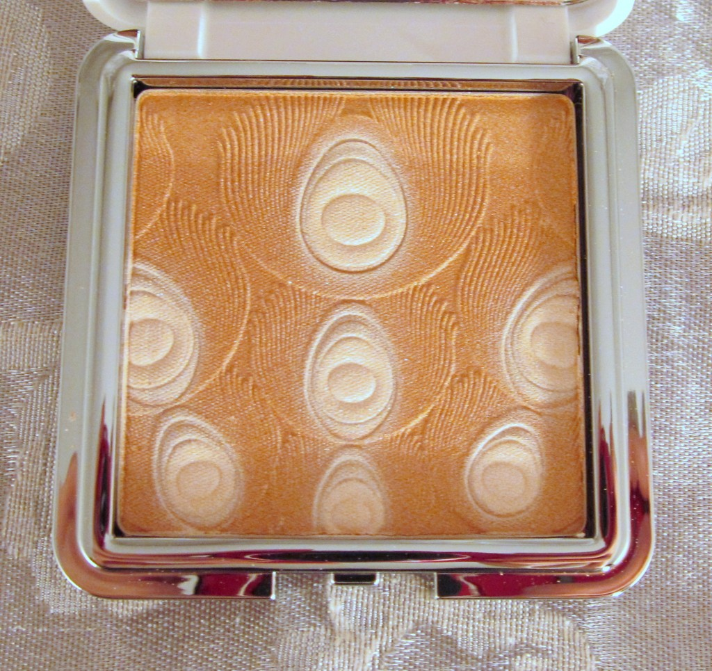 Lise Watier Jardin de Givre Illuminating Powder, Lise Watier Jardin de Givre Powder, Lise Watier Winter 2013, Lise Watier Winter 2013 Powder