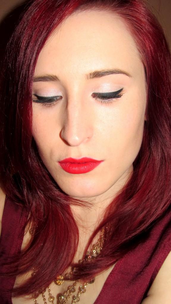red carpet beauty, beauty blogger, redhead, dee thomson