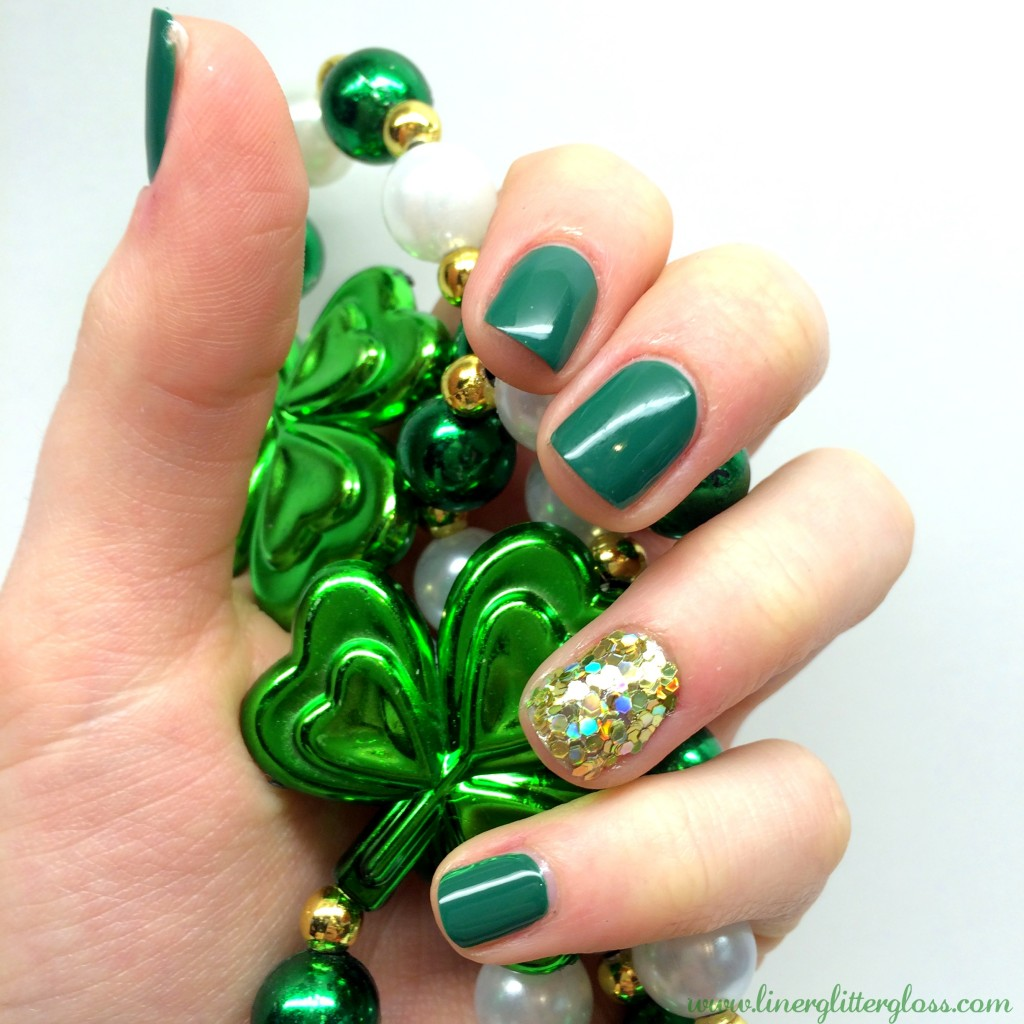 st-patricks-day-mani-nails, St Patrick's day nails, st patrick's day nail art, st patrick's day nail tutorial, st patrick's day mani, st patrick's day manicure, pot of gold nails, pot of gold nail art, st paddy's nails, st paddys nail polish, green nail polish, gold nails, gold glitter nails, gold nail art, st patricks day beauty, essence nail art decoration kit, essence colour & go, essence nail polish the grunge & the green