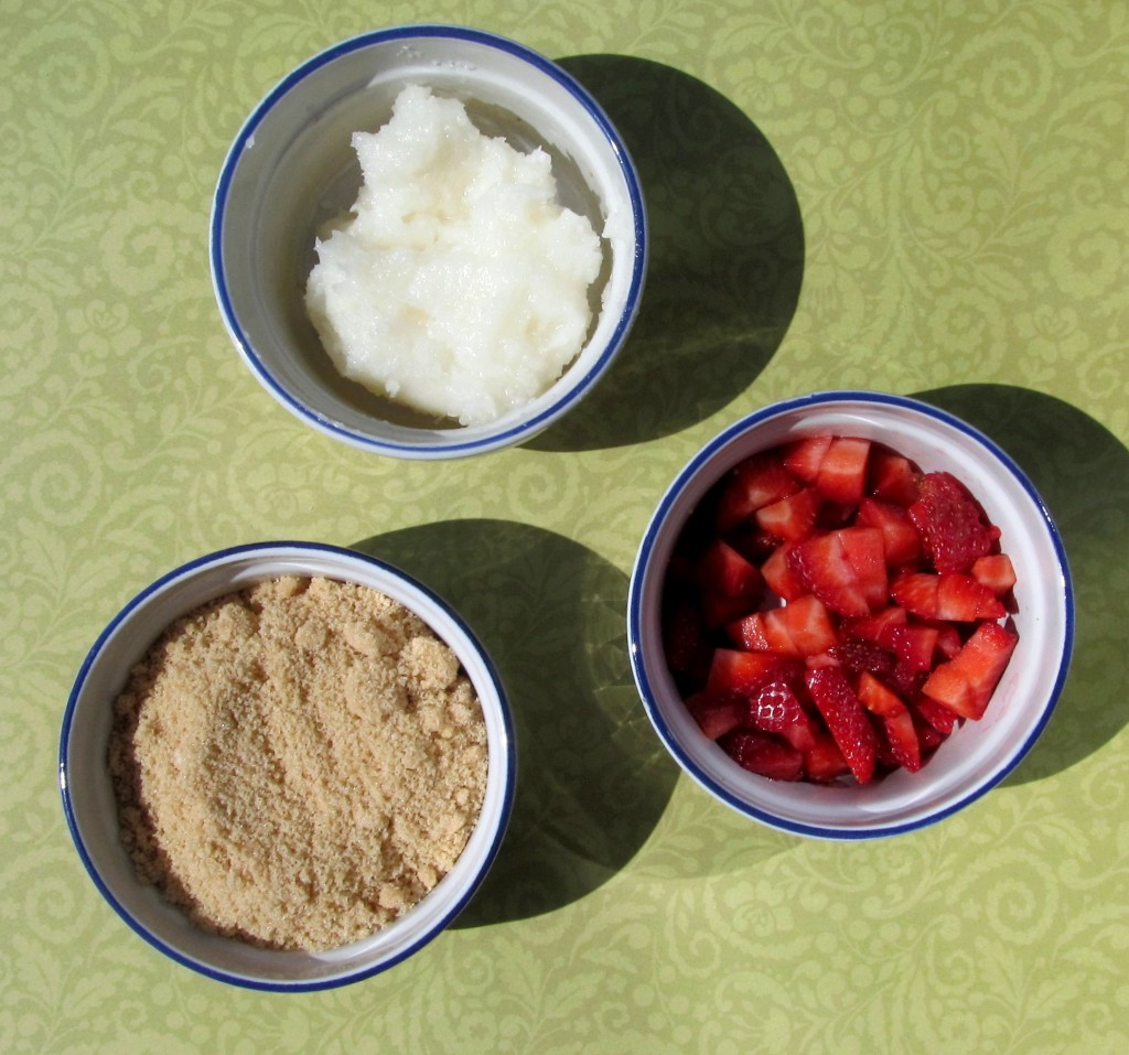 DIY Face Scrub, diy beauty, brightening face scrub, strawberry face scrub, DIY at home beauty, make a face scrub, how to make a face scrub, natural face scrub, easy face scrub