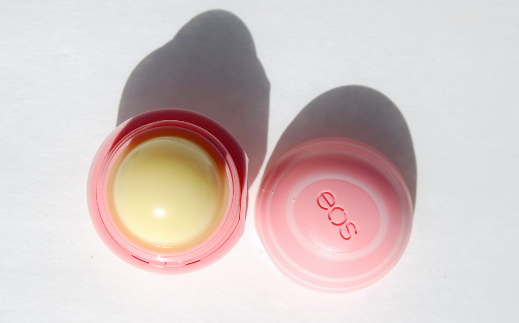 lip care, best lip care, lip balm, lip oil, how to relieve chapped lips, what to do with chapped lips, dry lip help, what to wear under lipstick, how to get lips ready for lipstick, best care for lips,  eos lip balm, eos spehere, eos coconut milk, eos visibly soft lip sphere