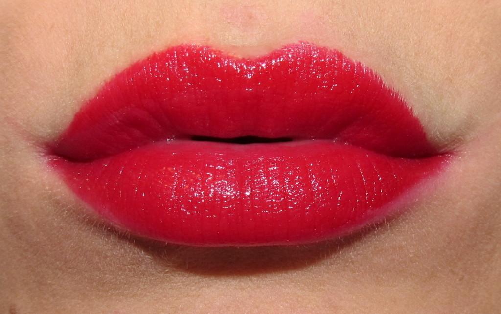clinique pop, clinique pop lipstick, clinique pop lip colour, clinique pop lipstick review, clinique pop lipstick swatches, clinique lipstick swatches, new lipstick for spring 2015, lipstick trends spring 2015, bold lipstick, best red lipstick, jessica rabbit lipstick, spring 2015 lipstick, clinique cherry pop, clinique cherry pop swatch, clinique cherry pop lipstick, clinique cherry pop lipstick swatch, cherry lipstick, blue red lipstick, new red lipstick 2015