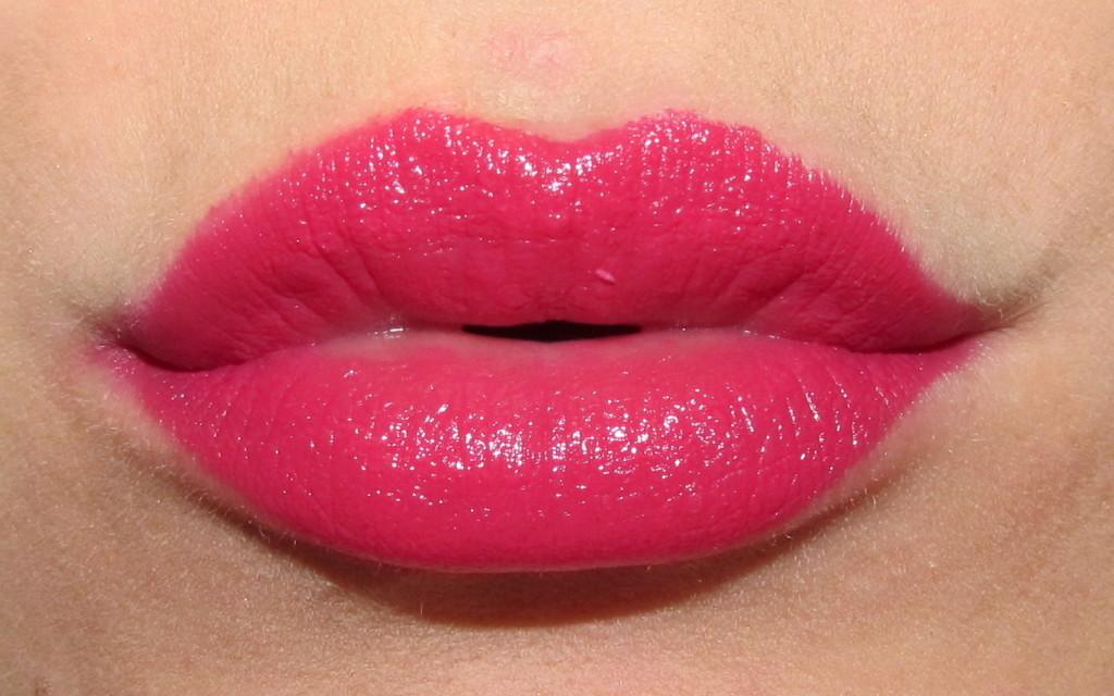 clinique pop, clinique pop lipstick, clinique pop lip colour, clinique pop lipstick review, clinique pop lipstick swatches, clinique lipstick swatches, new lipstick for spring 2015, lipstick trends spring 2015, bold lipstick, best red lipstick, jessica rabbit lipstick, spring 2015 lipstick, clinique punch pop, clinique punch pop swatch, clinique punch pop lipstick, clinique punch pop lipstick swatch, hot pink lipstick, fuchsia lipstick