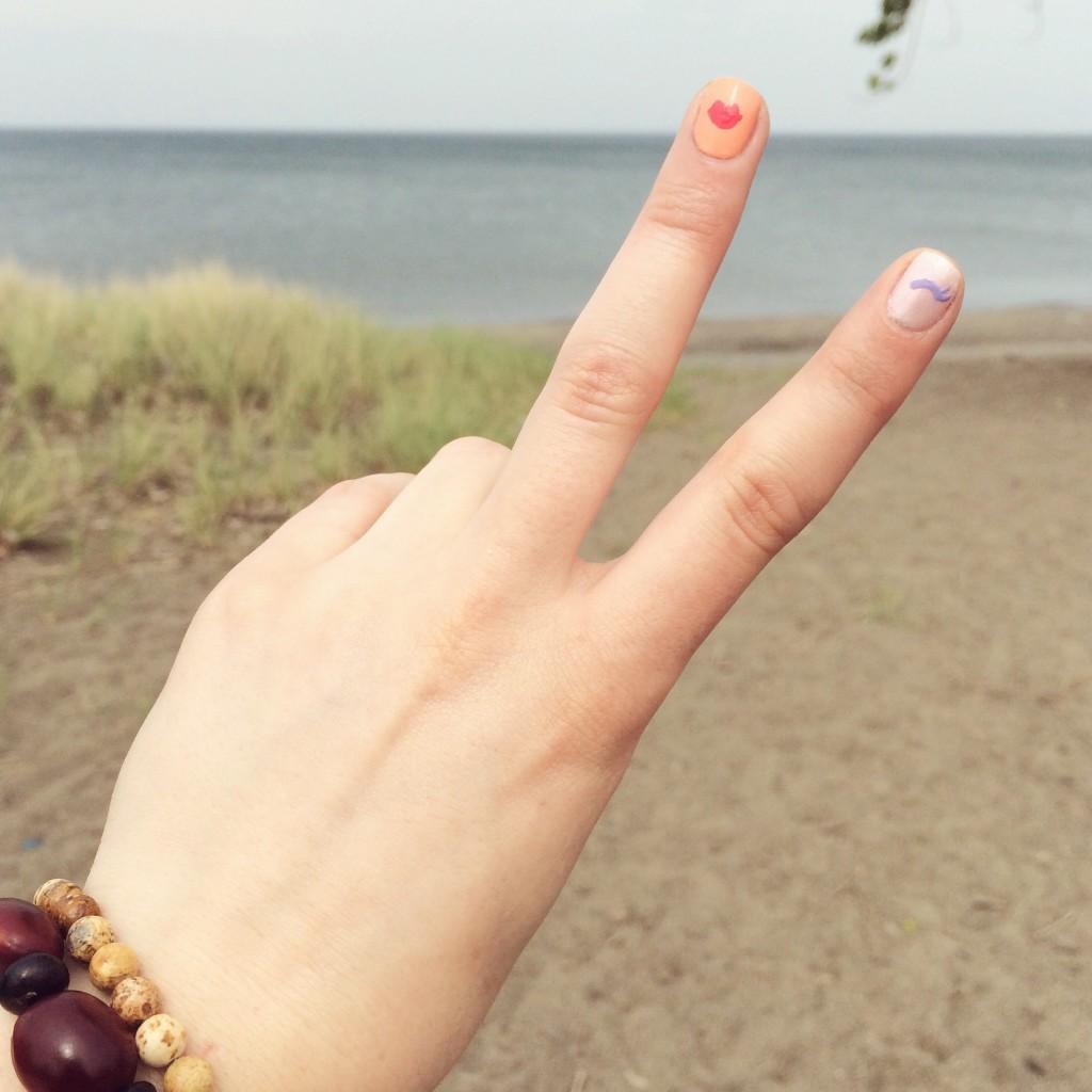 summer nails, summer mani, blue nail polish, best manicure for summer, nail inspiration, nail blogger, nail art, easy nail art, diy nail art, opi, ceramic glaze, essie, shoppers drug mart nail polish, wink nails, fun nail art, girly nail art