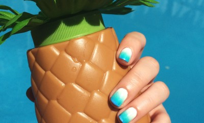 ombre nails, ombre manicure, how to do ombre nails, summer nails, summer mani, blue nail polish, best manicure for summer, nail inspiration, nail blogger, nail art, easy nail art, diy nail art, opi, ceramic glaze, essie, shoppers drug mart nail polish