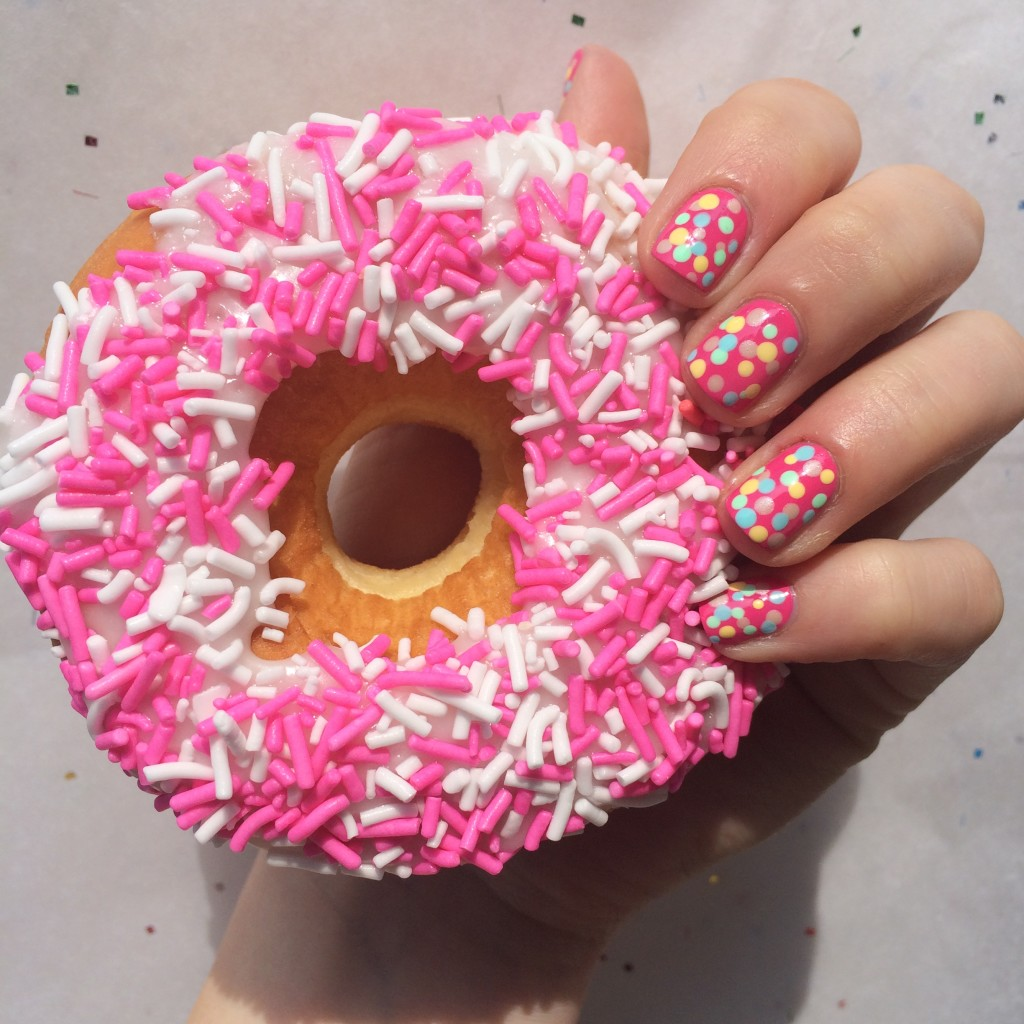 summer nails, summer mani, blue nail polish, best manicure for summer, nail inspiration, nail blogger, nail art, easy nail art, diy nail art, opi, ceramic glaze, essie, shoppers drug mart nail polish, dotted nails, donut nails, doughnut nails, donut manicure, sprinkle nails