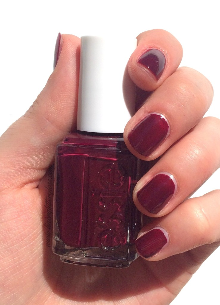 Essie, Essie Fall 2015, Essie Fall nail polish, rock n roll nail polish, essie fall 2015 swatches, essie in the lobby, essie in the lobby swatch, plum nail polish, in the lobby nail polish