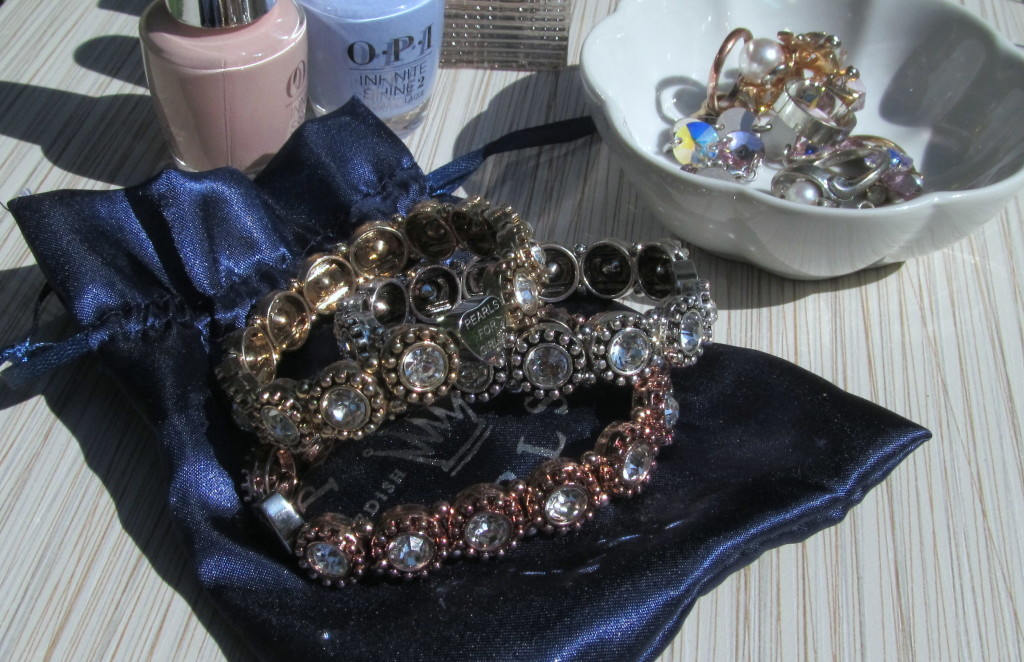 pearls for girls, pearls for girls north america. pearls for girls ambassador, brand ambassador, jewelry ambassador, canada jewelry, costume jewelry, affordable jewelry canada, natural material jewelry, pearls for girls olivia, beautiful bracelet, bracelet gift, canada affordable jewelry