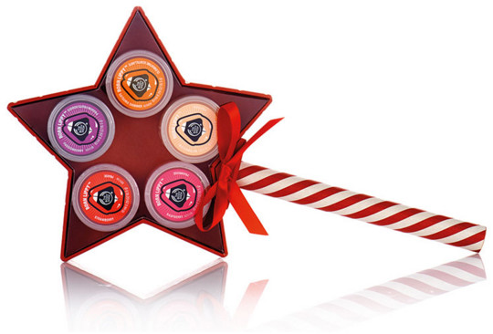 the body shop born lippy, the body shop lippy star wand, the body shop holiday 2015, the body shop christmas gift, holiday 2015, gift guide, holiday 2015 gift guide, christmas presents for your friends, christmas presents on a budget, what should i get my friends for christmas, shareable christmas presents, beauty gift guide, beauty christmas presents
