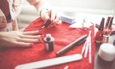 mani, manicure, at home manicure, how to make your manicure last, best manicure tips, l'oreal paris l'huile a vernis, tom bachik, l'oreal paris nails, tom bachik nail tips