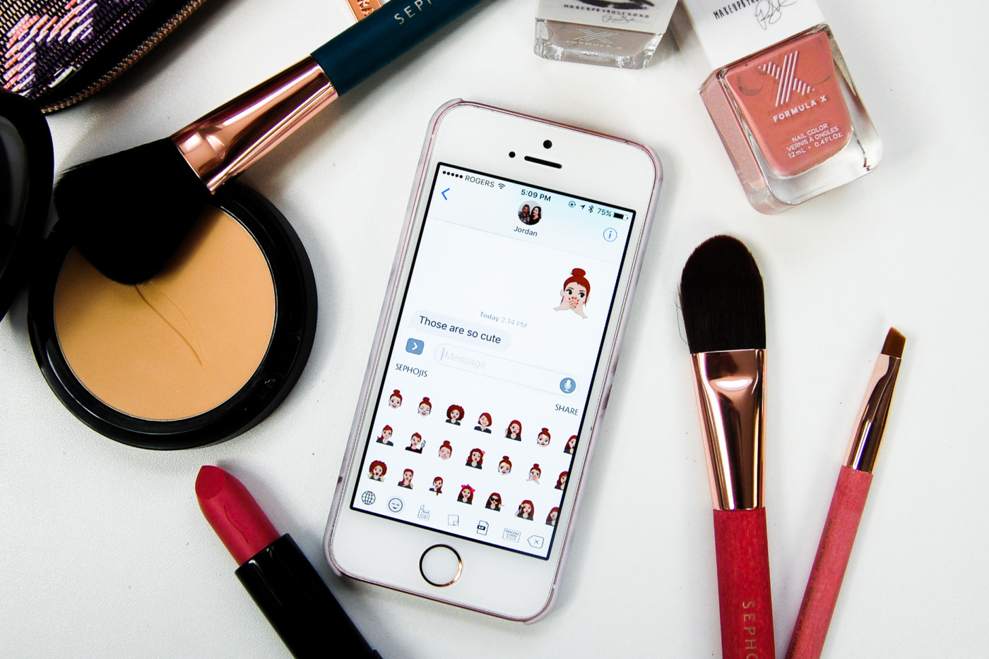 The 5 Beauty Messaging Apps To Download Now