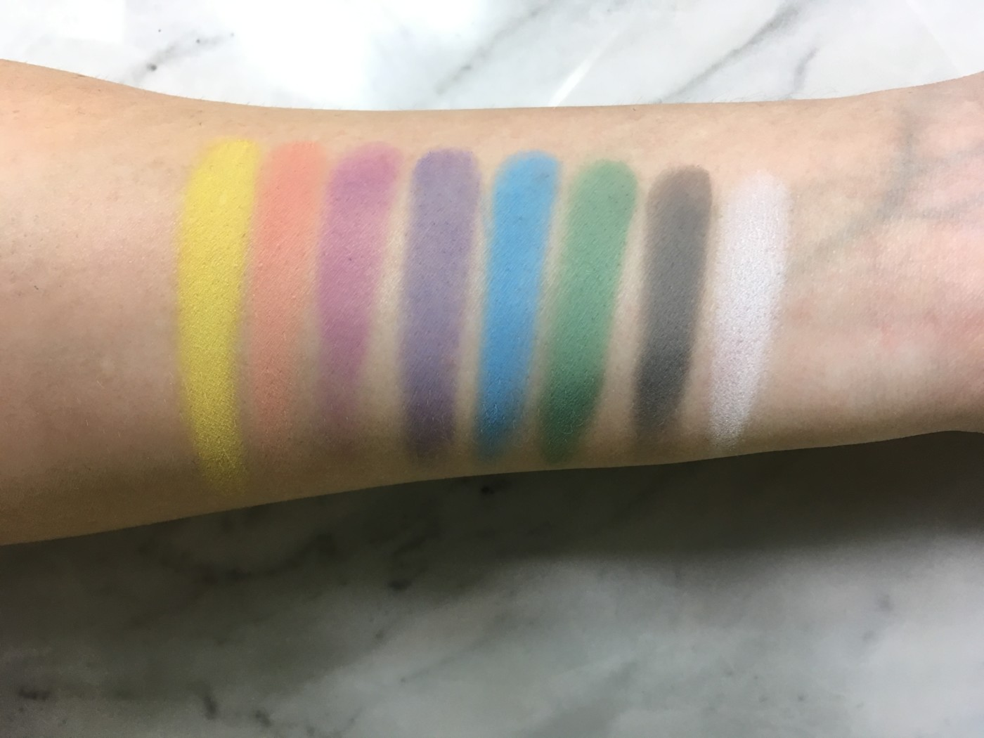 kat von d pastel goth, pastel goth palette, kat von d pastel goth swatches, pastel eyeshadow, pastel eyeshadow palette, how to wear pastel eyeshadow, eyeshadow trends spring 2017, new eyeshadow looks, beauty trends spring 2017, kat von d pastel goth review