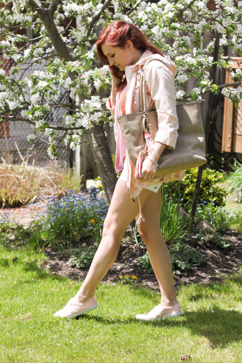 long weekend outfit inspiration, what to pack for a long weekend, what do pack for a weekend getaway, weekend getaway essentials, flamingo shorts, printed shorts, guess flamingo shorts, weekender bag, zara jacket dupe, zara lookalike, dixie outlet mall, dixie outlet mall shopping, mississauga outlet mall, packing for a camping trip, camping trip fashion, toronto outlet mall