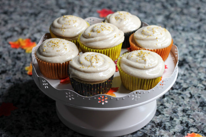 pumpkin spice cupcakes, pumpkin spice recipe, pumpkin cupcakes, thanksgiving dessert recipe, spooning and forking, toronto food blog, canadian good blog, canadian travel blog