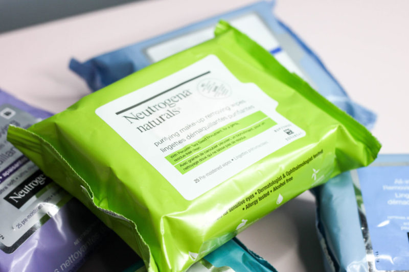 neutrogena makeup removing wipes, neutrogena cleansing wipes, best cleansing wipes to remove makeup, how to quickly remove makeup, removing makeup on vacation, neutrogena make up removing wipes review