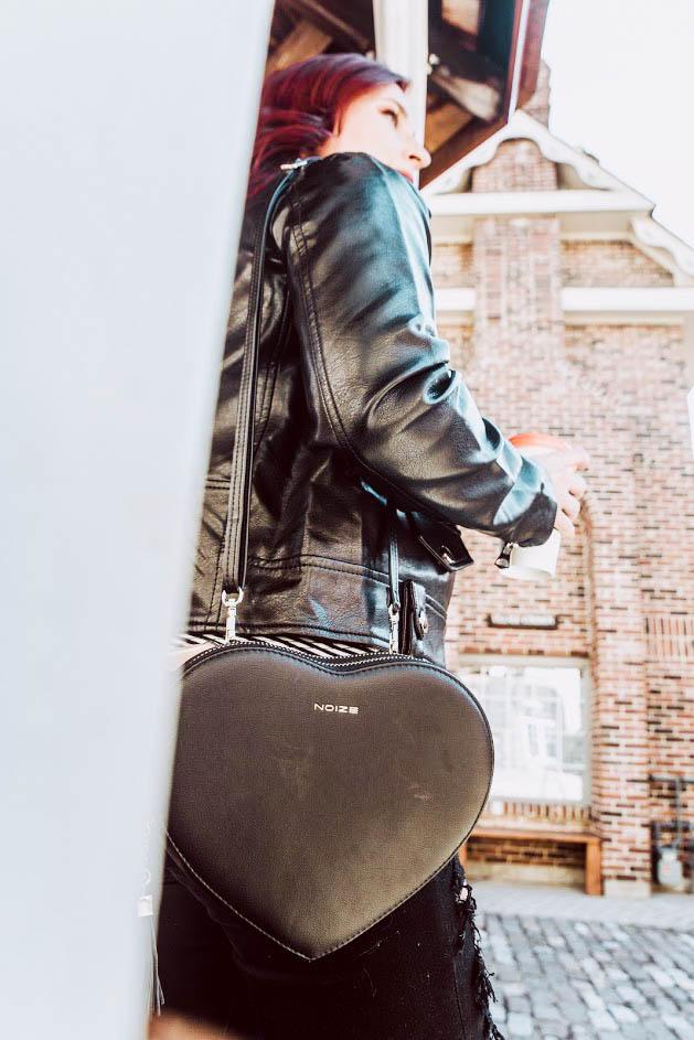 noize coats, noize vegan leather, vegan leather jacket, vegan leather purse, cruelty free jacket, cruelty free leather jacket, alternatives to leather, vegan clothing, canadian clothing, canadian blogger, dee thomson