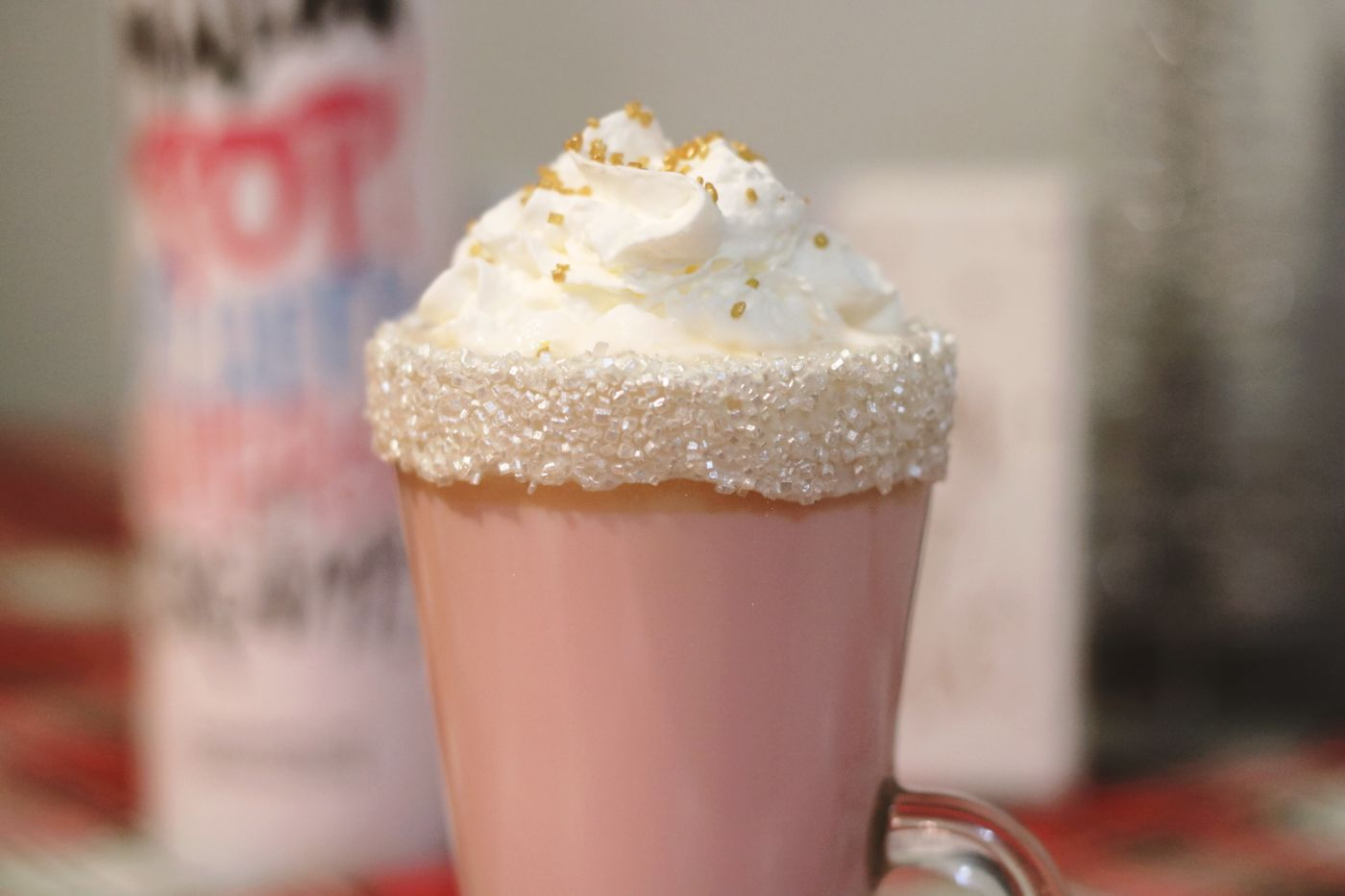 pink hot chocolate, pink hot chocolate recipe, white hot chocolate, how to make hot chocolate, homemade hot chocolate, winter recipes, winter drink recipe, christmas drink recipe, marshmallow pop cream liqueur