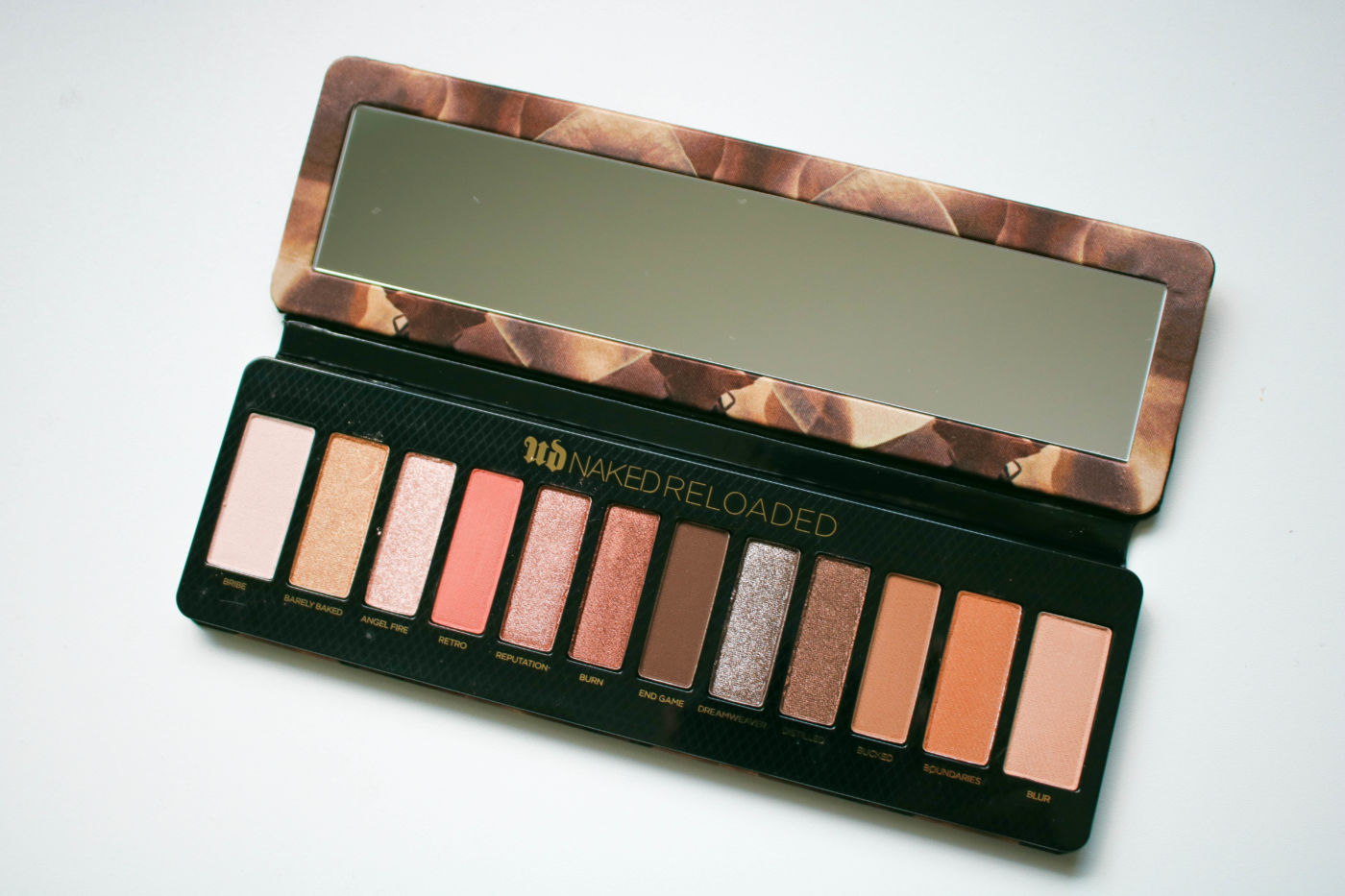 urban decay naked reloaded, urban decay naked reloaded swatches, new naked palette, naked dupe, new eyeshadow palette 2019, urban decay eyeshadow, new naked palette, neutral eyeshadow palette, new beauty launches 2019