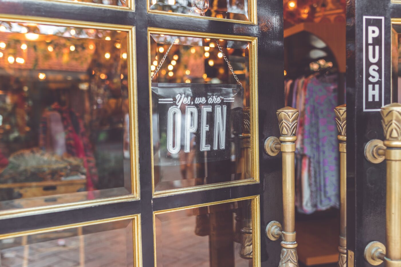 easy ways to support small businesses